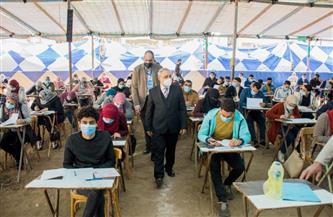 رئيس جامعة طنطا يتفقد امتحانات الفرقة الرابعة بكلية التجارة | صور