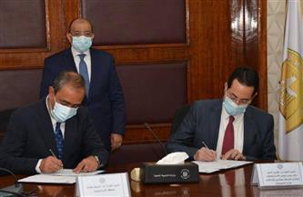 وزير التنمية المحلية يشهد مراسم توقيع ملحق عقد لرفع كفاءة منظومة إدارة المخلفات | صور