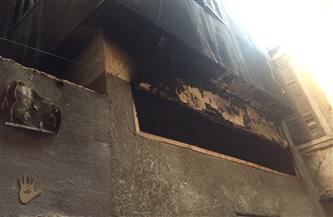 مشاهد مأساوية.. الأهالي يروون تفاصيل تفحم جثة ربة منزل وطفلتيها في حريق حدائق القبة| صور