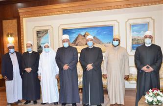 وصول وفود تنزانيا وكينيا والبرازيل  للمشاركة في مؤتمر حوار الأديان والثقافات