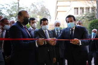وزير التعليم العالي يفتتح أعمال تطوير وتجديد مبنى الاتحاد الرياضي المصري للجامعات| صور