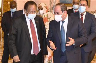الرئيس السيسي و«حمدوك» يبحثان نقل التجربة المصرية في الإصـلاح الاقتصادي إلى السودان وتدريـب الكوادر السودانية