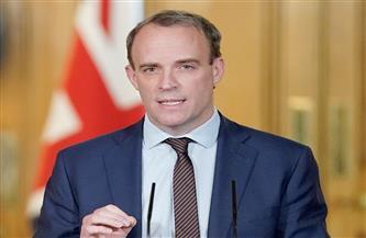 وزير الخارجية البريطاني يعرب عن ثقته بلقاح أسترازينيكا