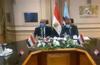 وزير النقل يلتقي رئيس العربية للتصنيع لمتابعة تنفيذ عربات السكك الحديدية| صور