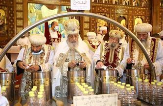 أعدته الكنيسة الأرثوذكسية للمرة الـ٤٠ في تاريخها وينتظر شم النسيم.. تعرف على زيت الميرون  صور