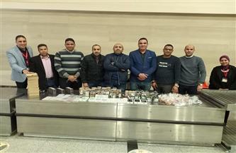 جمارك مطار أسيوط الدولي تحبط  محاولة تهريب هواتف محمولة ومستحضرات تجميل