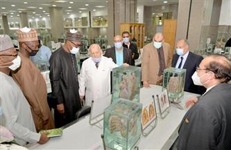 وفد نيجيري يزور طب المنصورة لبحث التعاون |صور