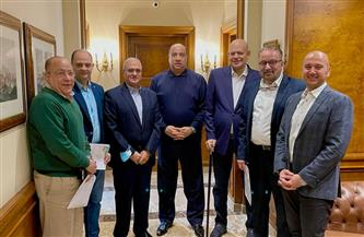 مصيلحى يوقع عقود استضافة الاتحاد السكندرى للبطولة العربية للسلة
