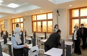 «الأعلى للجامعات» يتفقد قاعات الاختبارات الإلكترونية بـ «طب عين شمس»| صور