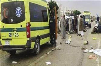 سيارة ميكروباص تصيب 3 أشخاص أثناء عبورهم الطريق بالقليوبية