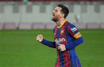 ميسي محطم الأرقام القياسية يقود برشلونة للفوز 6-1 على سوسيداد