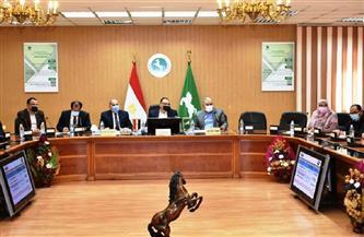 محافظ الشرقية يترأس اجتماع مجلس إدارة المناطق الصناعية | صور
