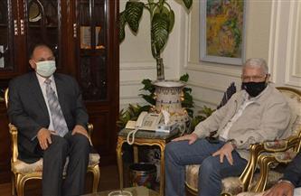 محافظ أسيوط يلتقى رئيس مجلس إدارة شركة المقاولون العرب لمناقشة الموقف التنفيذى لمشروعات حياة كريمة|صور