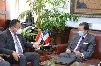 رئيس جامعة الإسكندرية يلتقي سفير فرنسا لبحث التعاون مع الجامعات الفرنسية| صور