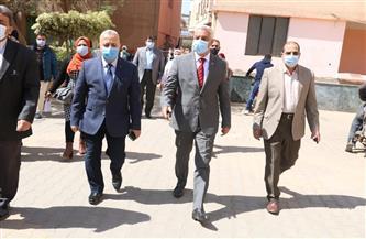 رئيس جامعة المنوفية يتفقد الامتحانات بكلية الزراعية | صور