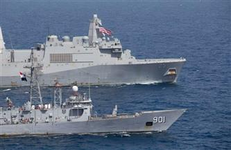 القوات البحرية المصرية والأمريكية تنفذان تدريبًا بحريًا عابرًا بالبحر الأحمر |صور