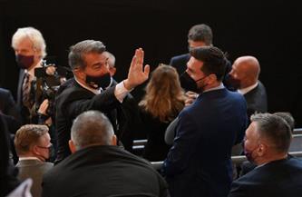 رئيس برشلونة الجديد يوجه رسالة إلى ميسي وكومان
