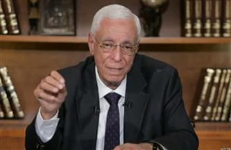 حسام موافي يفجر مفاجأة عن «السجائر اللايت» | فيديو