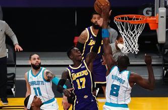 ليكرز يواصل انتصاراته في دوري السلة الأمريكي على حساب هورنيتس