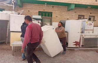 حملة إزالة لرفع الأثاث المستعمل بالمنطقة الطبية والعوام بمطروح | صور