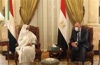 وزير الخارجية يستقبل نظيرته السودانية بقصر التحرير| صور