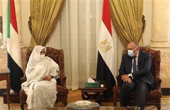 سامح شكرى يشيد بجهود الحكومة السودانية فى كسر العزلة الدولية التي فرضت على الشعب السوداني