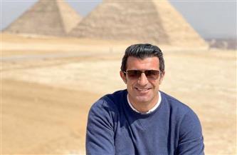 لويس فيجو يوثق زيارته لمصر بصور على النيل وأمام الأهرامات   صور