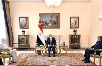 الرئيس السيسي يؤكد اهتمام مصر بتعزيز العلاقات الثنائية مع السودان في مجالات الربط الكهربائي والتبادل التجاري