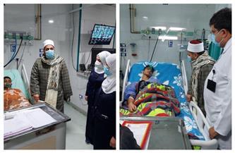 رئيس المنطقة الأزهرية بالدقهلية يزور طلابًا أصيبوا بحادث في المستشفى الدولي بالمنصورة | صور