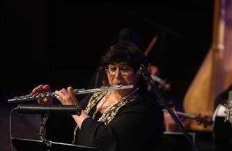 وزيرة الثقافة تعزف الفلوت في عيد الأم وتؤكد: المصريات عُرفن بالكفاح منذ أقدم العصور | صور
