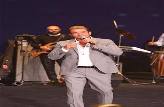 """الهضبة """"عمرو دياب"""" يتألق في حفل الماسة بالعاصمة الإدارية"""