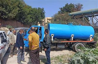 ضبط سيارة تلقي مياه صرف صناعي بمصرف غرب الإسكندرية |صور