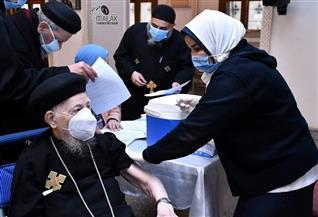 تفاصيل تطعيم كهنة الإسكندرية بلقاح كورونا |صور