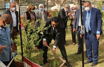"""أمين عام """"المهندسين"""" ونائب سفير رواندا بالقاهرة يغرسان أشجارًا رمزًا لتعاون البلدين"""
