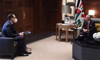مدبولي ينقل تحيات الرئيس السيسي للعاهل الأردني .. ويؤكد: مصر تولي اهتمامًا بالتعاون مع الأردن