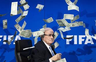 الفيفا يعلن فرض عقوبة إضافية على بلاتر بسبب مخالفات مالية