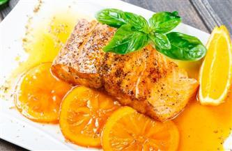 التوت والبرتقال والأسماك تتصدر القائمة .. كيف تحمى عضلة القلب بالغذاء؟