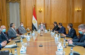 وزير الدولة للإنتاج الحربي يبحث التعاون المشترك مع شركة عالمية في نظم الاتصال والدفاع الجوي