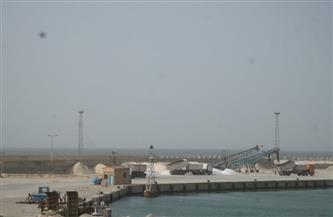 اقتصادية قناة السويس: فتح بوغاز ميناء العريش لاستقبال سفن شحن الملح والأسمنت | صور