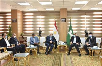 خلال لقائه رئيس مجلس إدارة الشرق الأوسط.. محافظ الشرقية: الإعلام أحد أدوات القوة الناعمة المصرية | صور