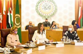 المجلس العربي للمسئولية المجتمعية يكرم وزيرة الهجرة ويختارها شخصية العام | صور