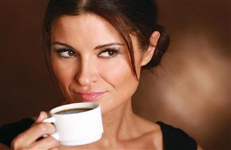 دراسة: تناول الأم للقهوة خلال فترة الحمل يعرضها لإنجاب أطفال صغيري الحجم