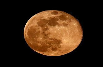لمعان القمر سيبلغ 99.8% .. ترقبوه فى سماء الأحد