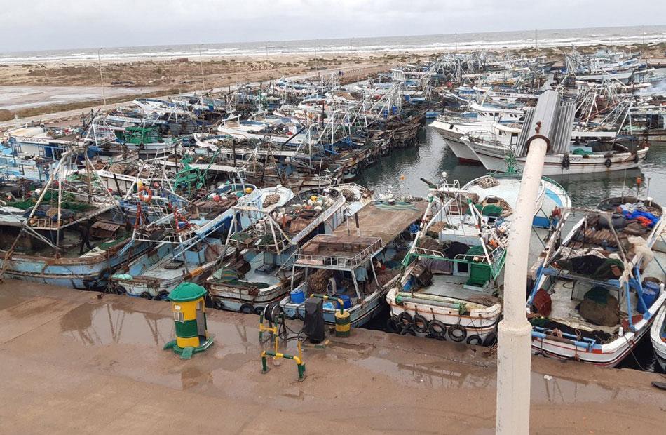لليوم السادس توقف حركة الملاحة بميناء الصيد بالبرلس والبحر المتوسط بكفرالشيخ لشدة الرياح
