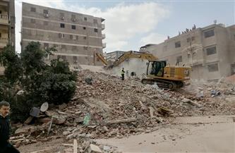 «الحماية المدنية» بالقاهرة تواصل البحث عن ضحايا جدد أسفل أنقاض عقار جسر السويس المنهار | صور