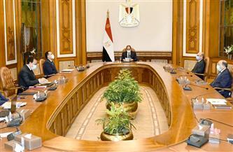 الرئيس السيسي يعقد اجتماعا مع رئيس الحكومة وعدد من الوزراء لمتابعة حادثة تصادم قطاري سوهاج