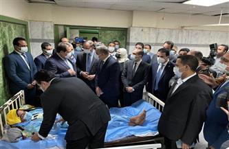 وفد برلماني يتفقد حالة مصابي حادث قطاري سوهاج | فيديو وصور
