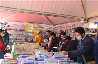 أسعار تصل لـ«جنيه واحد» للنسخة.. إقبال على معرض الإسكندرية للكتاب في ثاني أيامه |صور