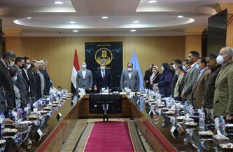 محافظ كفر الشيخ وأعضاء مجلسي النواب يقفون حدادا على ضحايا عقار جسر السويس وقطاري سوهاج |صور