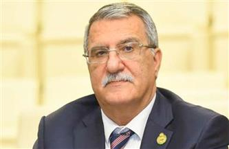 رئيس اللجنة السياسية بالبرلمان العربى يغادر القاهرة